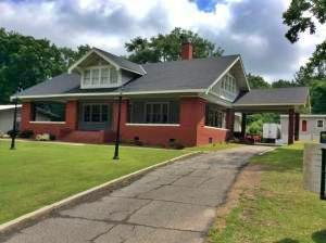 1055 Cherokee Rd. Front view of Property