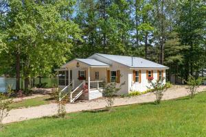 134 WIndsong Rd, Dadeville, AL 36853