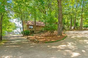 197 Holly Ridge, Dadeville, AL 36853