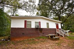 592 Young Road, Alexander City, AL 35010
