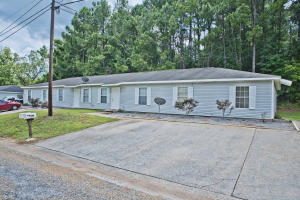 64 Cole St, Alexander City, AL 35010