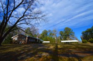 3bedroom 1/bath with addition and a circular driveway to enter and exit Highway 49