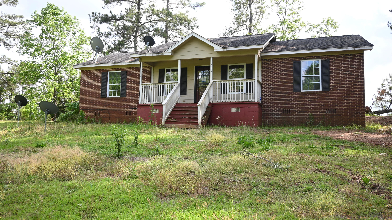 305 McKelvey St, Dadeville, AL 36853