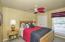 Large Guest bedroom w/two closets! Split bedroom plan