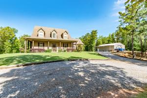 559 Lake Point Rd, Eclectic, AL 36024