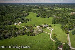 120+ Acres of gently rolling grasslands and woodlands