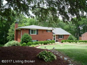 Gorgeous setting in this desirable St Matthews location.