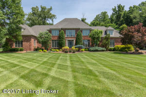 2705 Cave Spring Pl, Anchorage, KY 40223