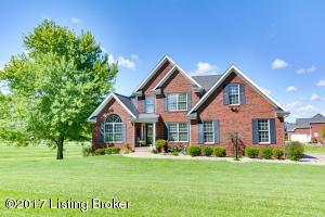 2 Oak Tree Ln, Louisville, KY 40245