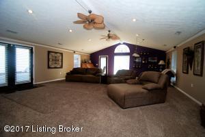 354 Cedar Brook Dr, Mt Washington, KY 40047