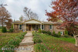 6806 Stone Hill Rd, Louisville, KY 40214