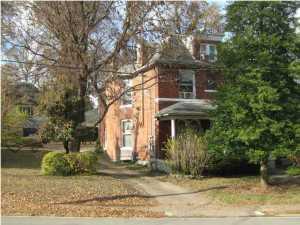 2217 Grinstead Dr, Louisville, KY 40204