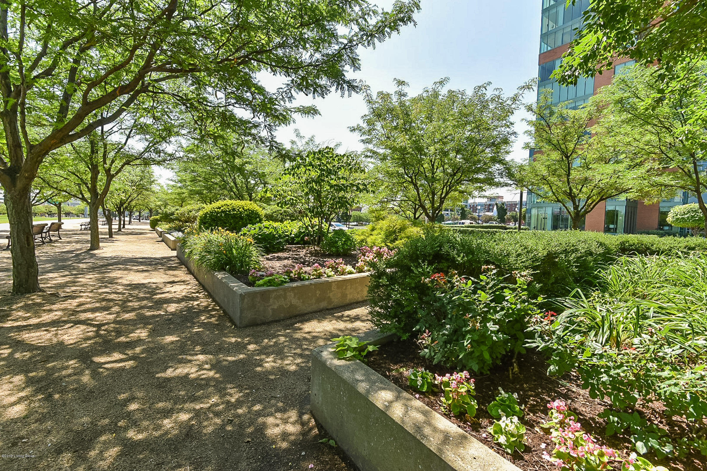 222 E Witherspoon St, Apt 1502