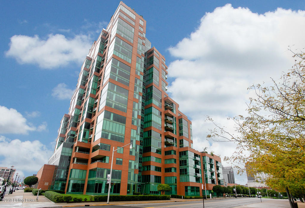 222 E Witherspoon St, Apt 807