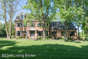 706 Evergreen Rd, Anchorage, KY 40223