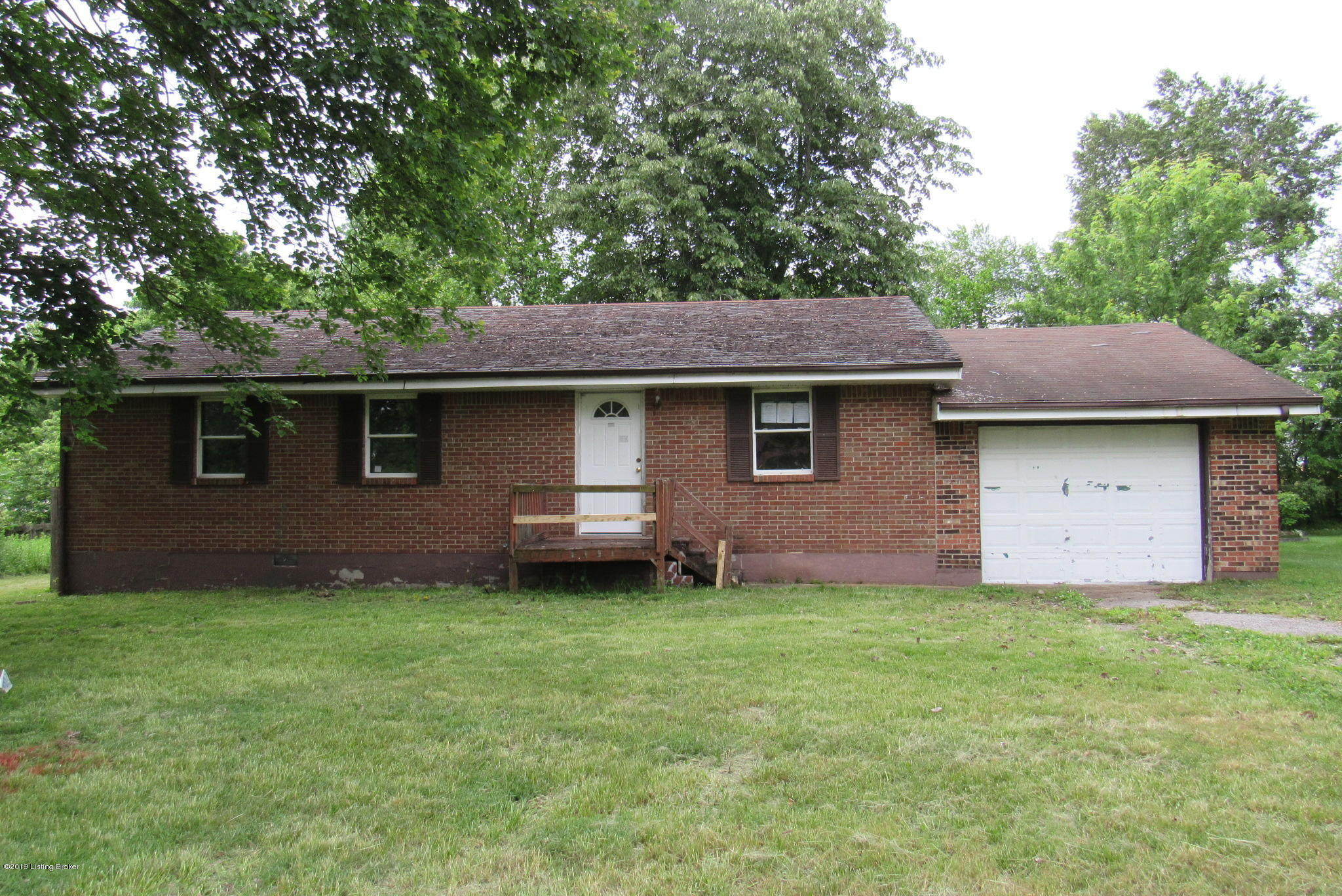 Photo of 194 Silver Dr
