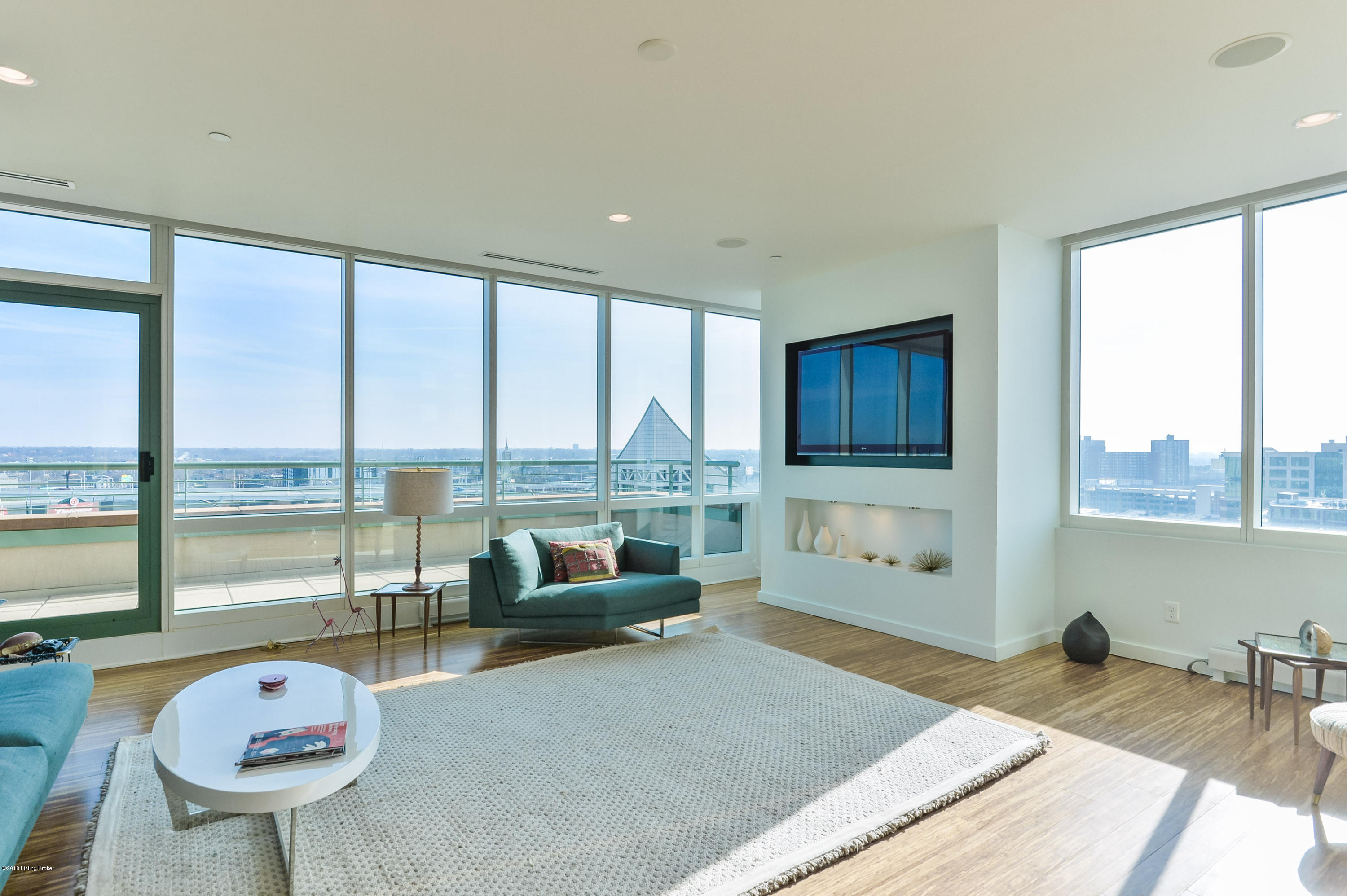 222 E Witherspoon St, Apt 1103