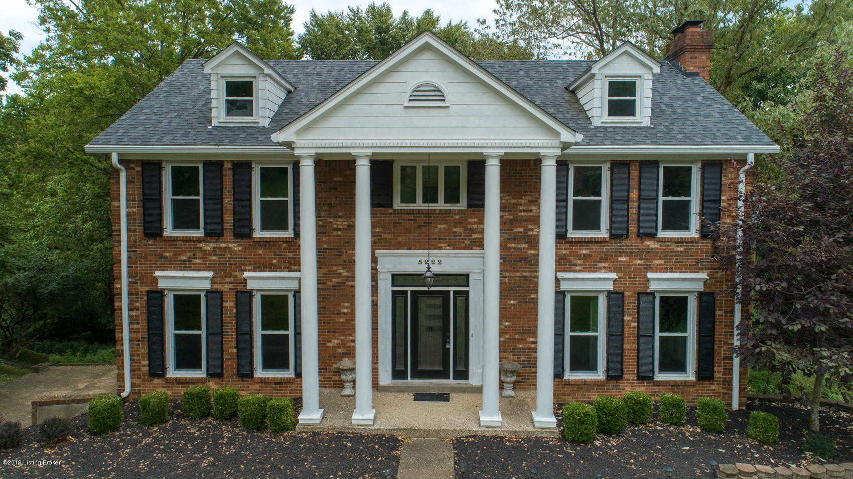 5222 Moccasin Trail