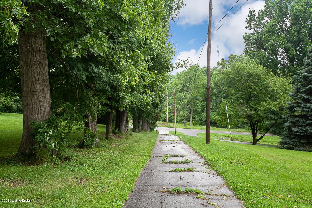 8800 Watterson Trail