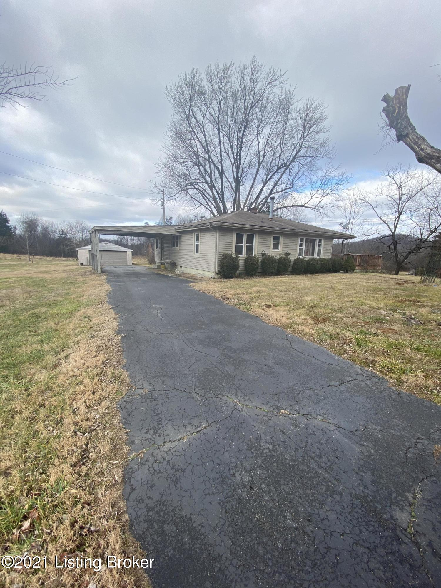 Photo of 989 Happy Hollow Rd