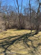 7505 Commonwealth Dr, Crestwood, KY 40014