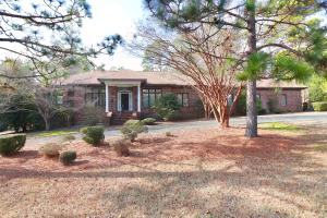 110 Woodenbridge Lane, Pinehurst, NC 28374