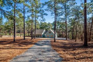 385 Central Drive, Southern Pines, NC 28387