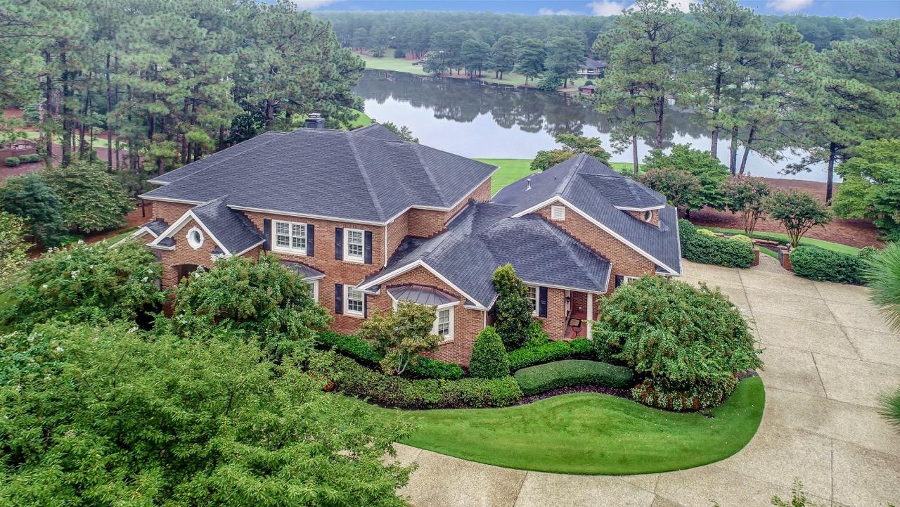 525  Lake Dornoch Drive, Pinehurst, North Carolina