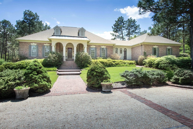 815  Lake Dornoch Drive, Pinehurst, North Carolina