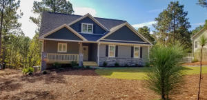 121 Longleaf Drive, West End, NC 27376