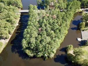 141 S Lakeshore Drive, Whispering Pines, NC 28327
