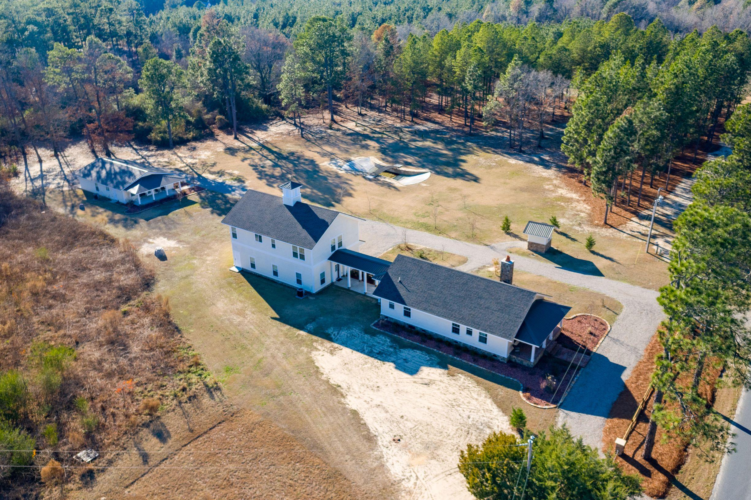 2707  Roseland Road, Aberdeen, North Carolina