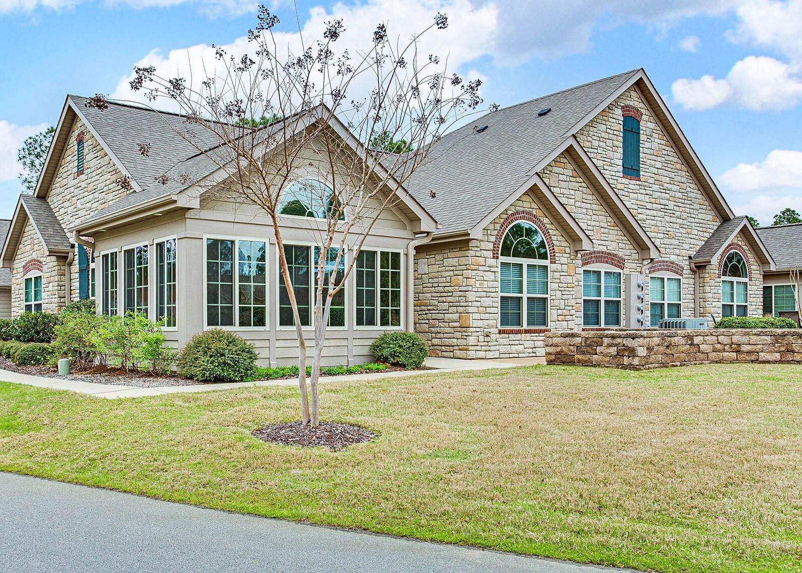 100  Essex Place, Southern Pines, North Carolina