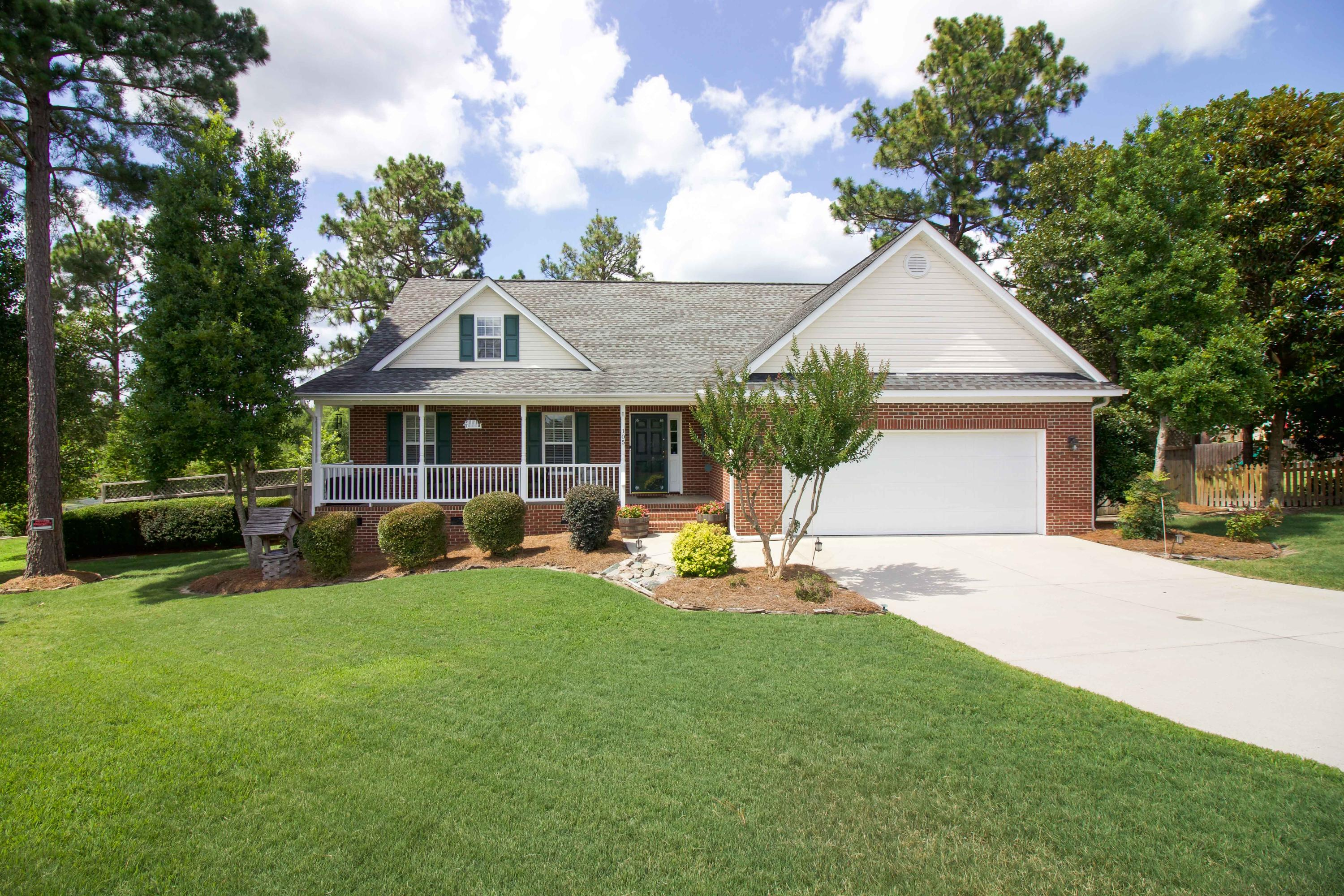 105  Roddinglaw Court, Aberdeen, North Carolina