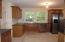 Kitchen w/ new granite countertops