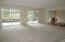 Living room w/ 2 sliding doors