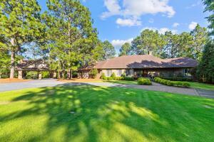 850 Lake Dornoch Drive, Pinehurst, NC 28374