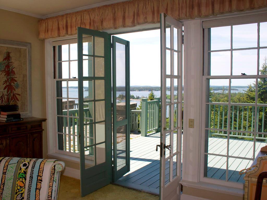 Living room to Porch