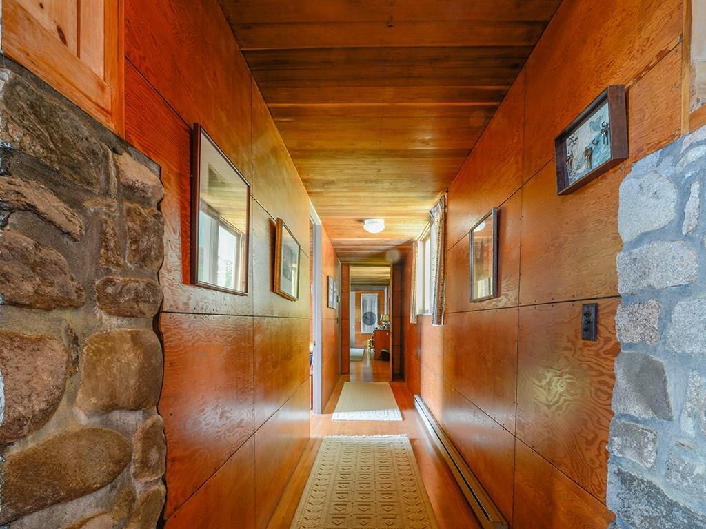 Veneered plywood panels are used on...