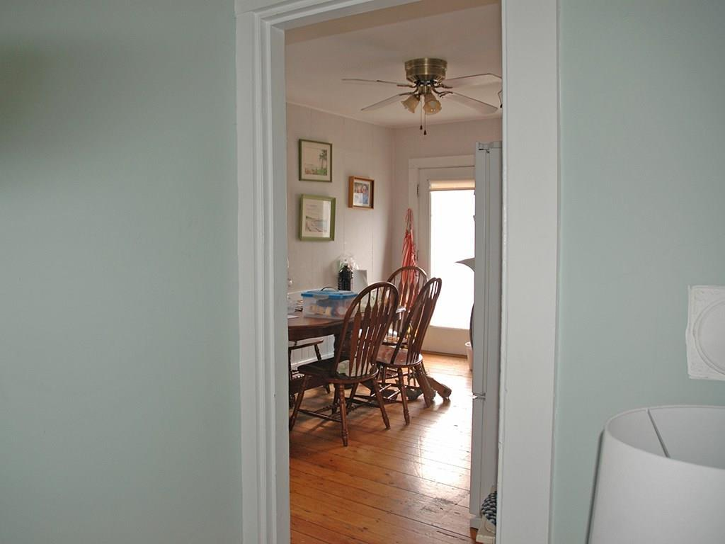 Toward Kitchen and pantry