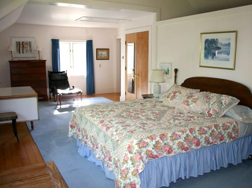 Master Bedroom - Guest House