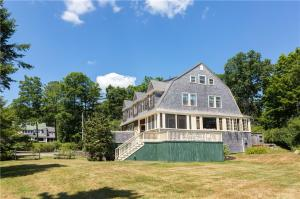 18 Jocelyn Road, Scarborough, ME 04074
