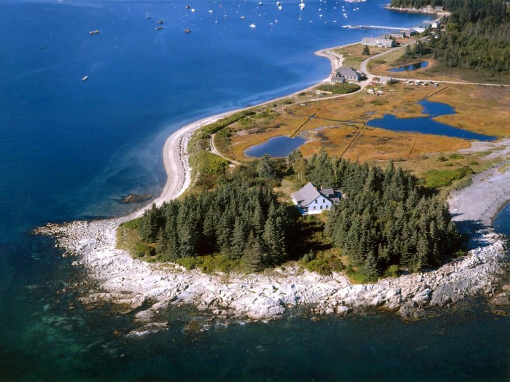 Aerial of Maypole Point