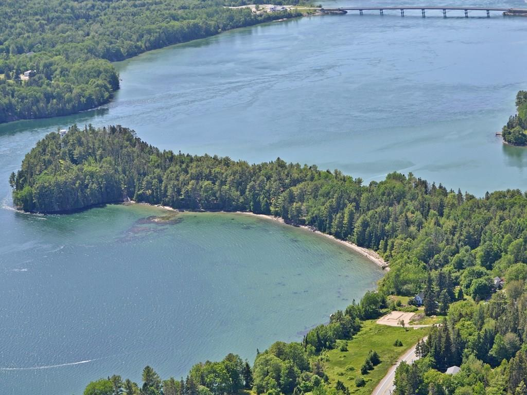 Falls Point is a 20.85 +/- acre...