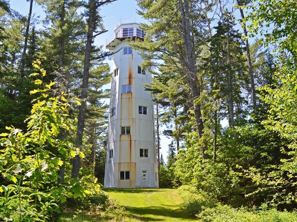 The impressive 8-story lighthouse...