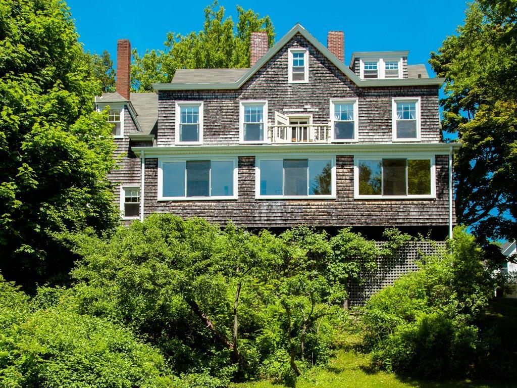 Westview -  Shingle-style cottage