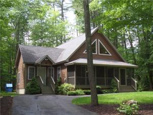 Year round very well maintained home with deeded access to Thomas Pond. Beautiful home inside and out