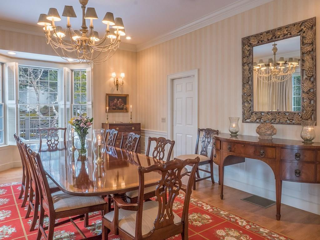 Dining room with bay window. There...