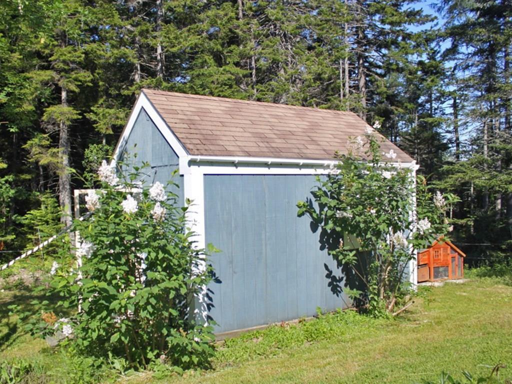 Spacious cute garden shed.