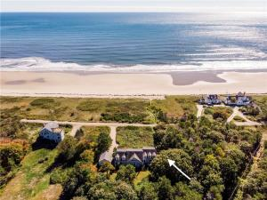 41 Parsons Beach Road, Kennebunk, ME 04043